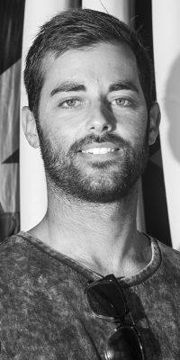 Manu Castro - Surf - Monitor de Surf Homies Surf & Skate