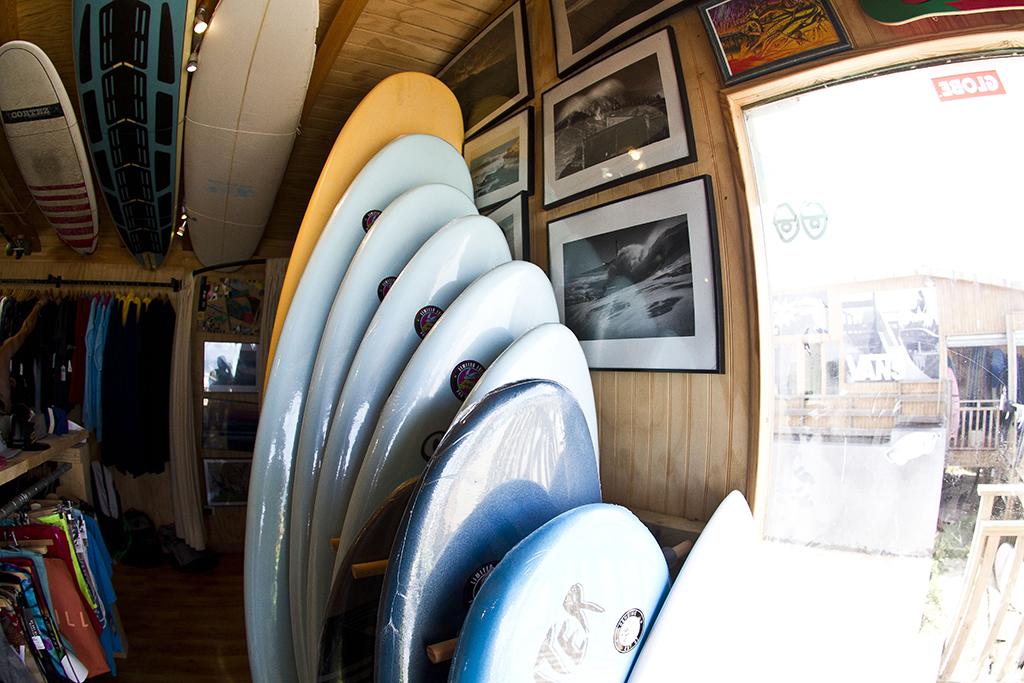 Homies Surf & Skate Shop - Zona Venta y ropa, trajes y otros + vista rampa skate